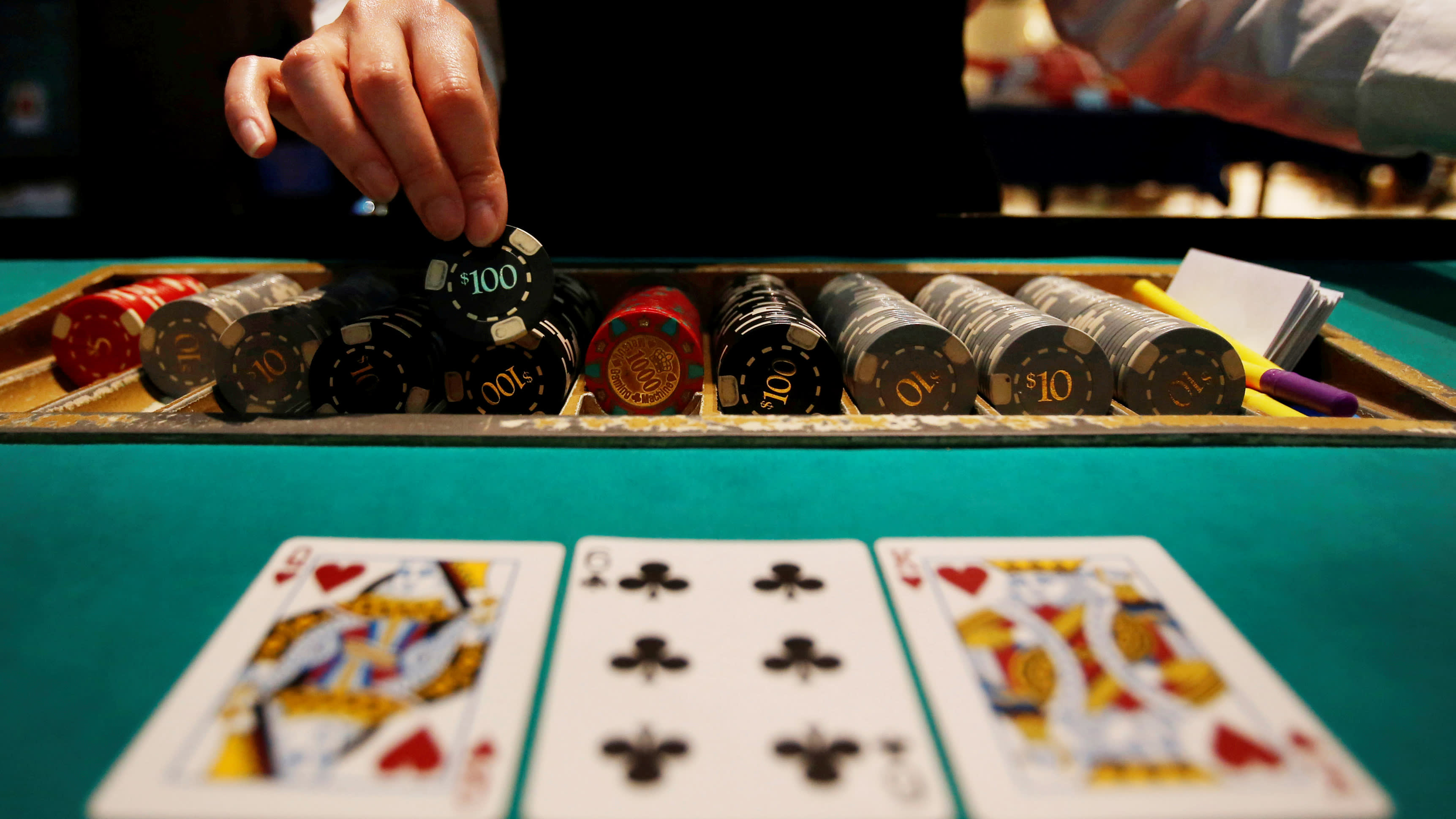 Online casino poker and other casino games: is there anything better than this?