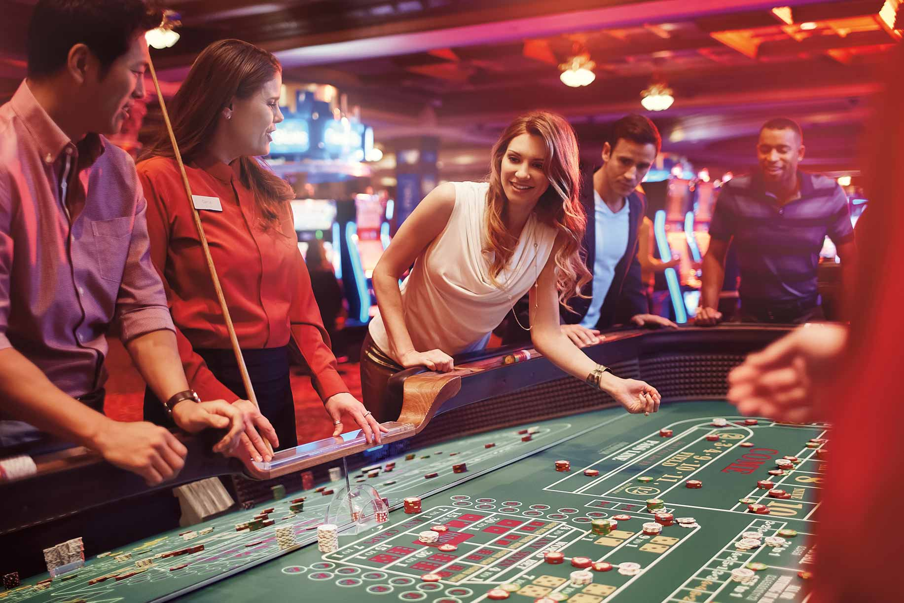 Playing Online Casino Games with the Experts